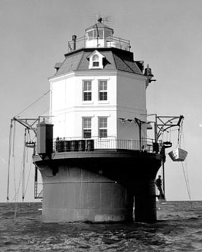 Point No Point light